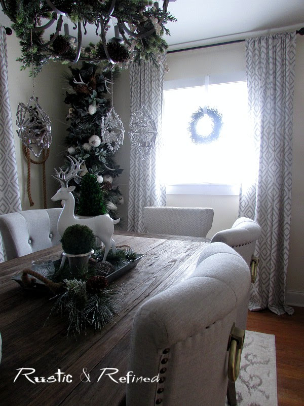 Dining Room Holiday Decor