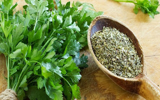 health-parsley-black-funds-beauty-tips