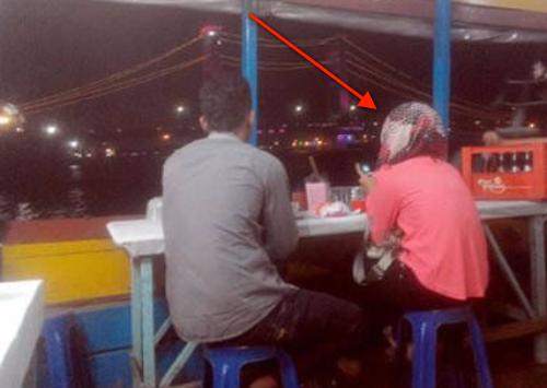 Minta Putus Karena Pacarnya Miskin Namun Saat Makan Malam Terakhir Wanita ini Langsung Menyesal !! #MerindingBacanya