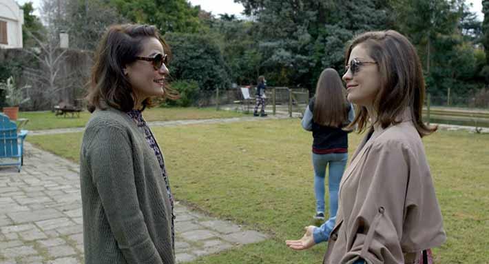 O Futuro Adiante: livre de estereótipos, comédia dramática retrata com autenticidade a amizade feminina | Cinema