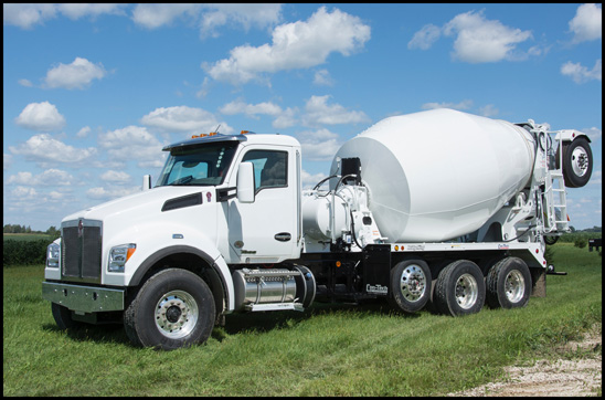 Kenworth T880S with Con-Tech Manufacturing BridgeKing Package