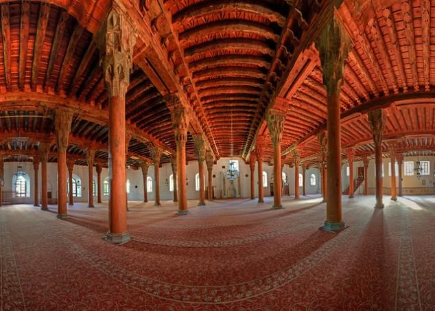 İmaret'in Gölgesinde Kalan 40 Direkli Camii