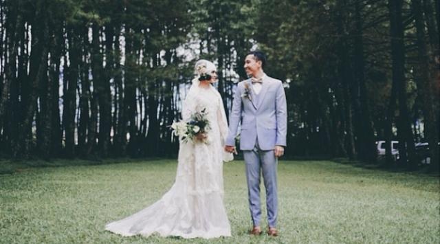 Buat Seseorang Yang Aku Cintai, Selamat Menikah! Maaf Ga Bisa Dateng Di Hari Kebahagiaanmu