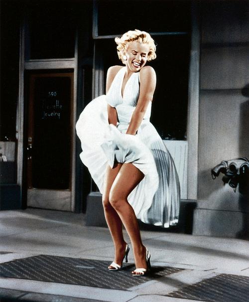 Je Ne Sais Quoi: Marilyn Monroe Iconic White Dress