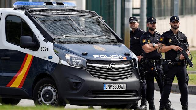 Un padre mata a sus dos hijas pequeñas y se suicida en España