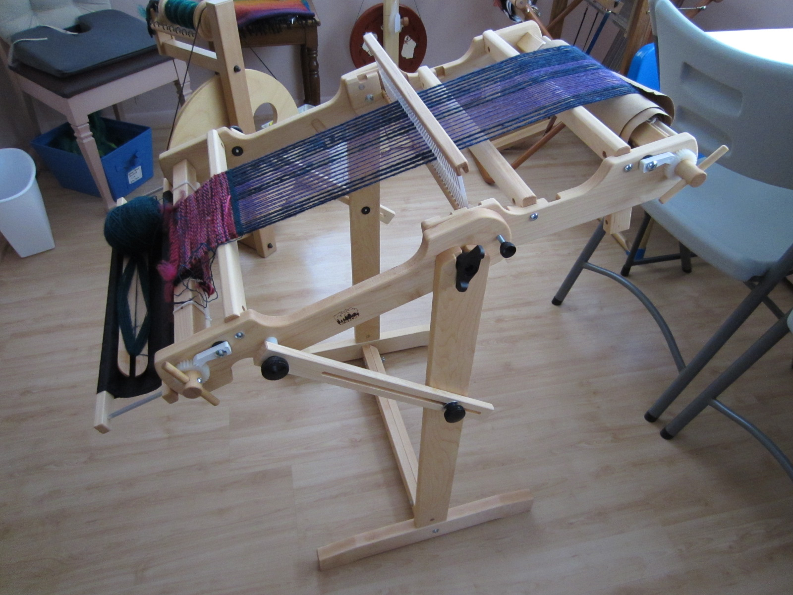 St  Seraphina Fiber Arts: Holiday Gifts - Wheels and a Loom!
