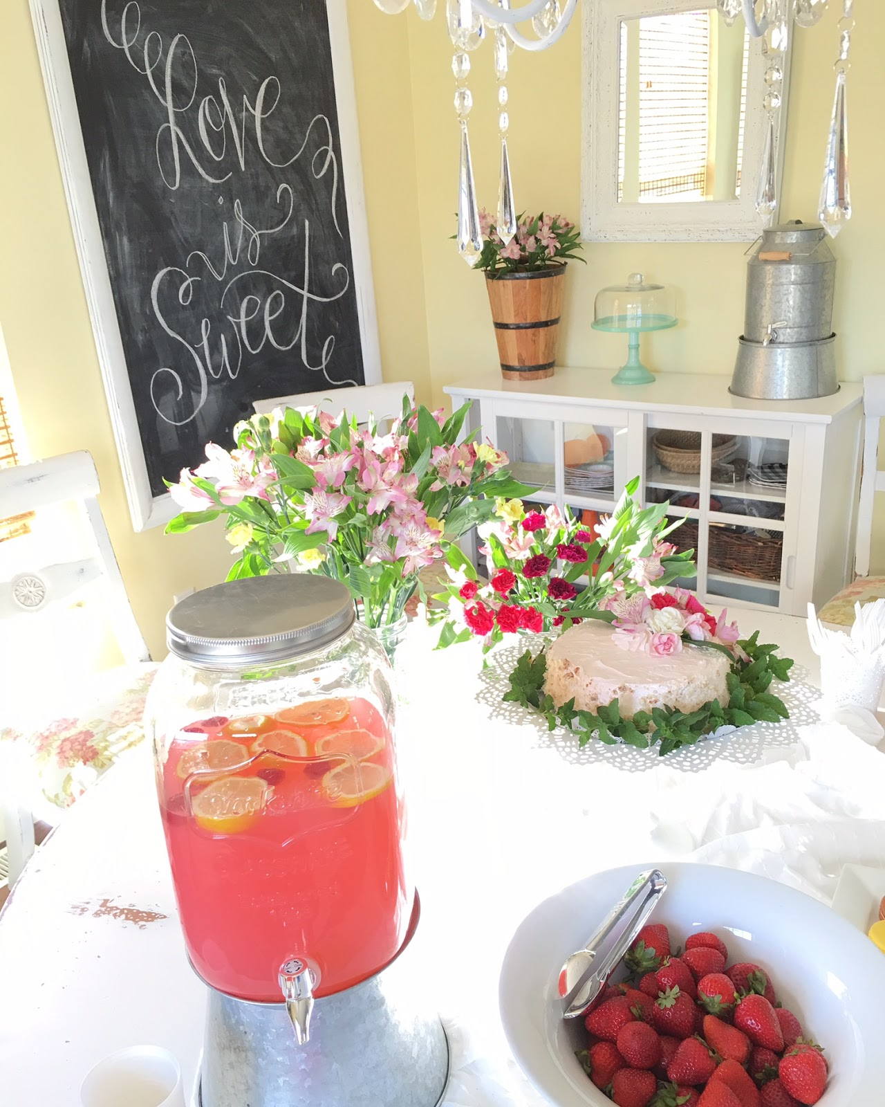Easy Small Wedding Reception Idea The Style Sisters