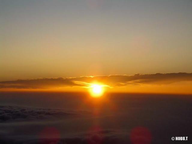 富士山山頂からの御来光