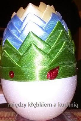 jaja wielkanocne, ozdoby świąteczne, Wielkanoc, wstążki, karczoch, jaja styropianowe