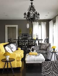decoración de sala gris y amarillo
