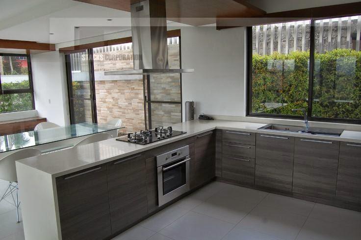Dise o de cocinas angulares en forma de l ideal para - Cocinas pequenas en forma de ele ...