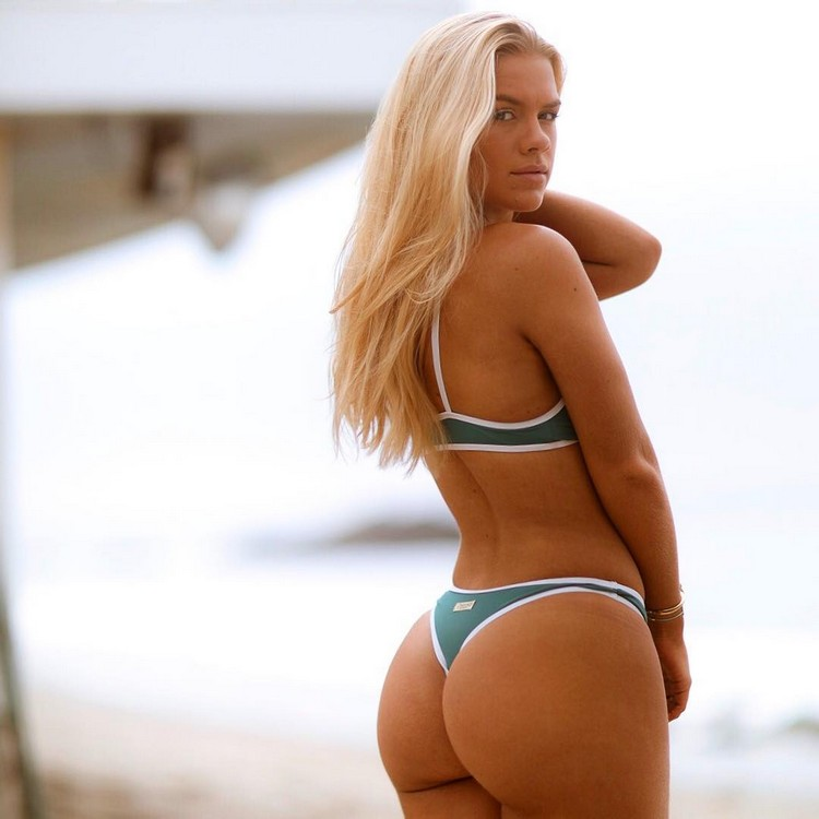 Katy rose shares her soft luscious body for us 3