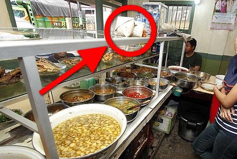 Penjual Yang Menyembunyikan Sesuatu di Makanannya, Ini Yang Akan Terjadi 20 Tahun Kemudian