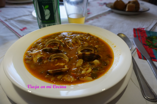 Verdinas with cuttlefish and clams