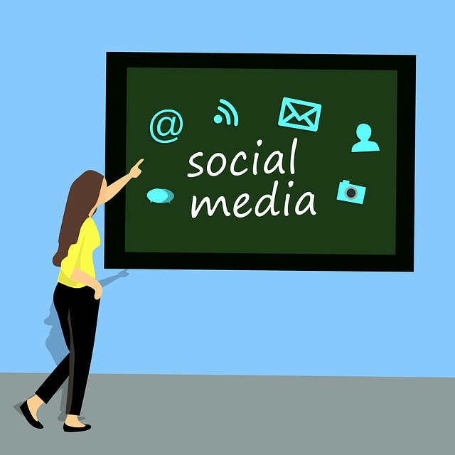 How to effect Social Media for Your Business - Business guide for be your own Boss