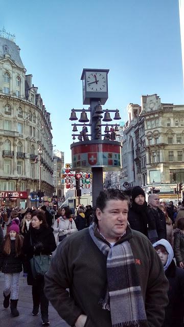 Dzień trzeci - arystokratyczno - filmowy Londyn