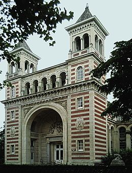 Le Palais Rameau (1878-1881) est un édifice lillois conçu par les architectes de la ville Auguste Mourcou et Henri Contamine