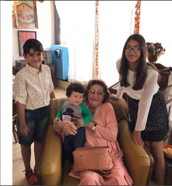 https://theindiannewsupdate.com/2018/01/karishma-kapoors-children-meets-sanjay.html