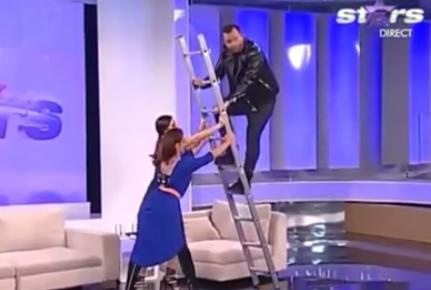 Como no se Debe de Usar una Escalera