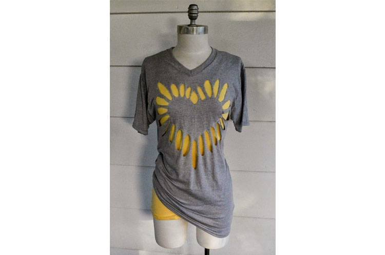 19 creative t shirt cutting ideas do it yourself ideas for Diy t shirt design