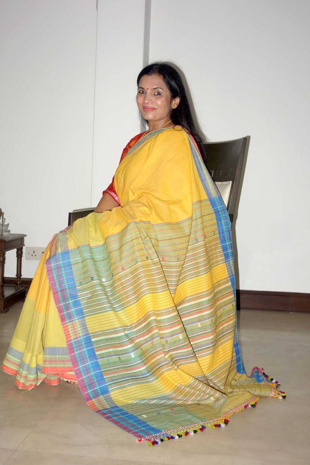 Revival Of A Fading Handloom Tradition The Khun: Top Indian Fashion And Lifestyle Blog: Bhujodi Saree