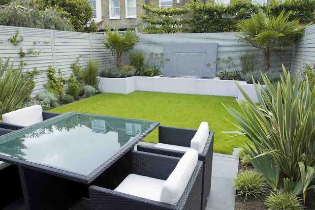 Contoh desain taman minimalis dengan tempat keluarga