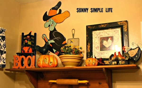 Halloween kitchen decor, vintage Halloween decor