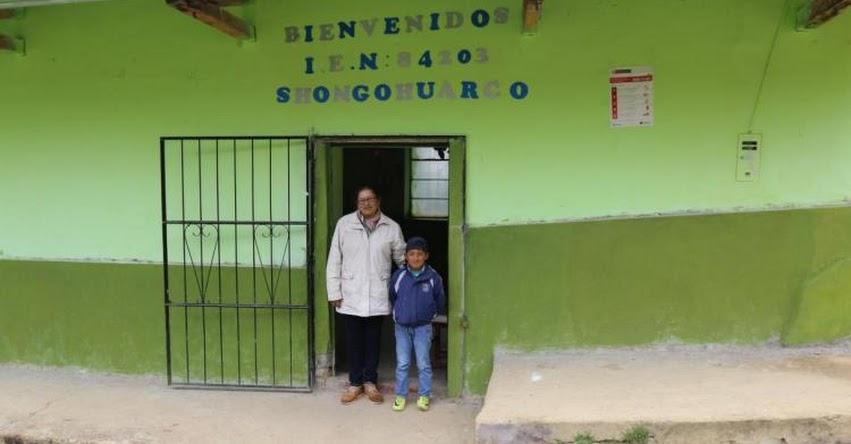 Conoce a María Vidal, la maestra que viaja para enseñar al único alumno del colegio de Shongohuarco en Áncash