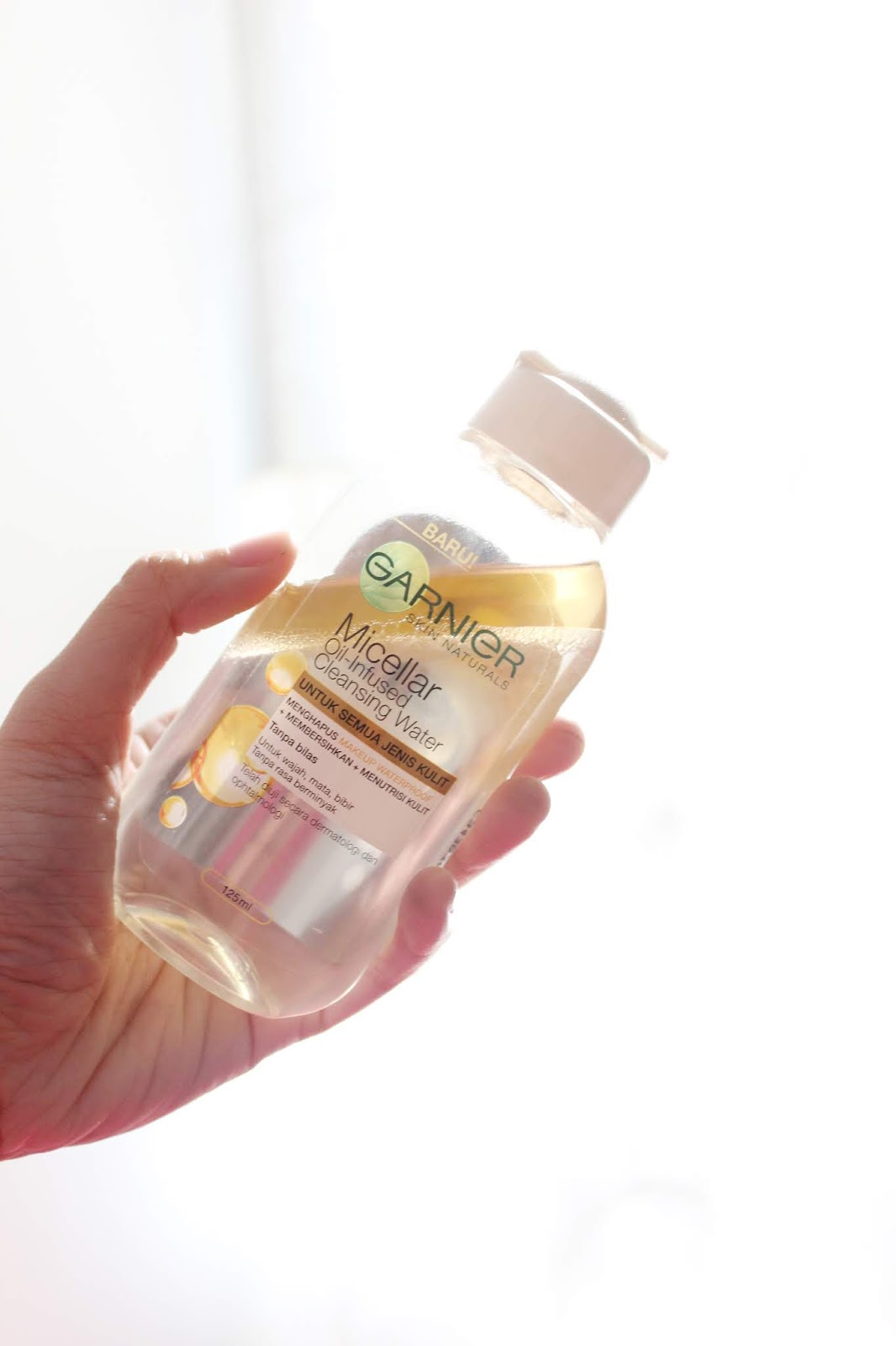 REVIEW: Garnier Micellar Oil-Infused Cleansing Water