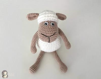 Pequeña oveja amigurumi