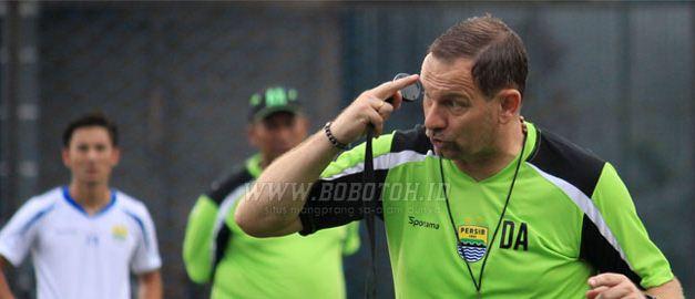 Dejan Antonic Siap Jadi Pelatih Baru Persib Bandung
