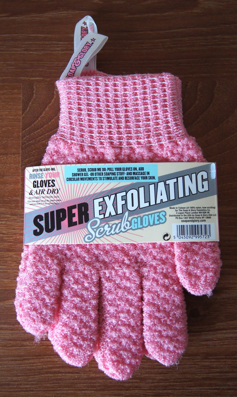 soap and glory super exfoliating scrub gloves review