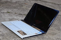 harga Jual Laptop Sony Vaio SVE14126CVW Bekas