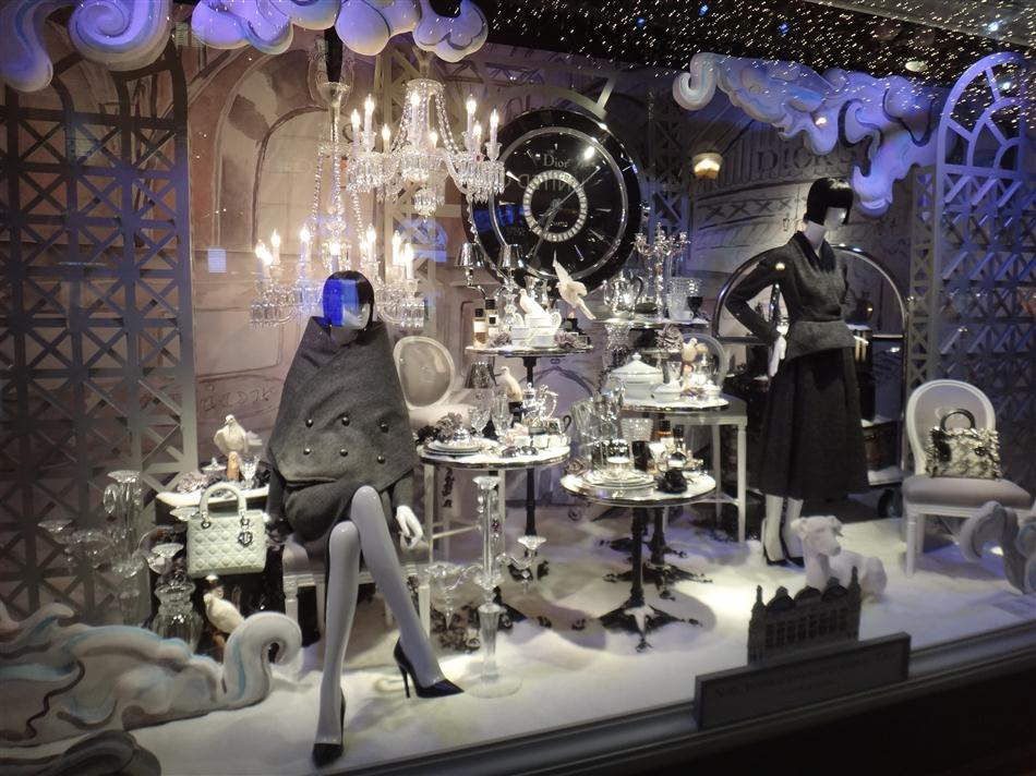 commerces immarcescibles les vitrines des grands magasins 2012. Black Bedroom Furniture Sets. Home Design Ideas