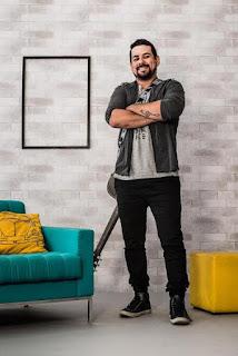 West Shopping promove show especial gratuito com cantor Danny Menezes