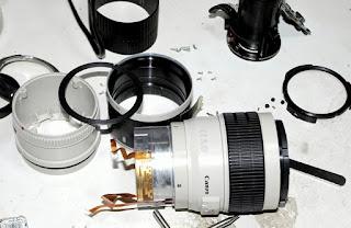 Service Pembersihan jamur pada Lensa Kamera