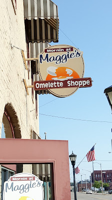 Morning at Maggies Omelette Shoppe