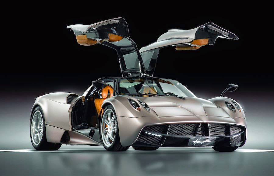 世界一高い価格の高級車 パガーニ・ウアイラ