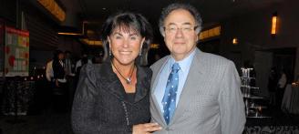 Hallan muertos al multimillonario farmacéutico Barry Sherman y a su mujer
