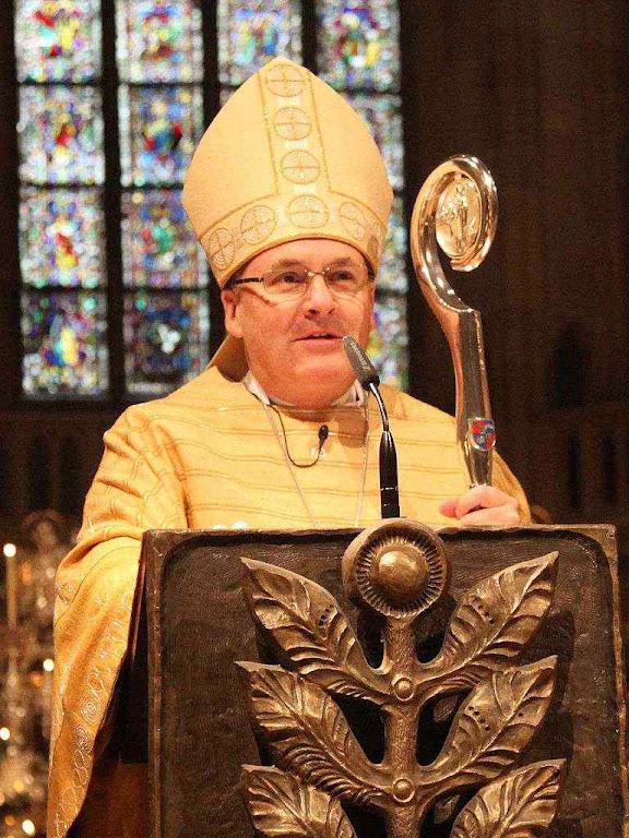 Mons. Rudolf Voderholzer, bispo de Regensburg: 'Cessemos de protestantizar a Igreja antes que se esvazie como a dos luteranos!'
