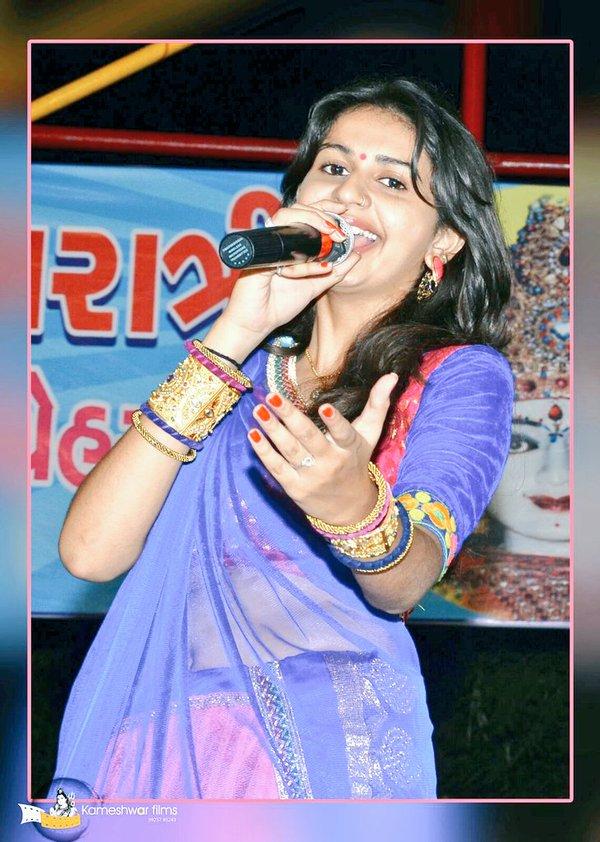 Best Whatsapp Status In 2016 Gujarati Singer Kinjal Dave -9148