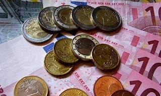 με εισόδημα 921 ευρώ πληρώνει φόρο 3.237 ευρώ