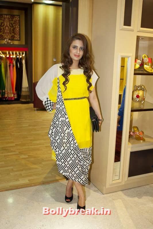 Reshu Malhotra, Jacqueline Fernandez in Dubai