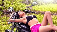 Ice Cream  Actress Naveena Hot Photo HeyAndhra