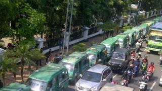 Sebagian Angkot Bandung Mogok, Transportasi Online Diminta Waspada