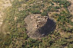 Oasis Paling Langka dan Tertua di Dunia Ini di Kelilingi Gunung Berapi