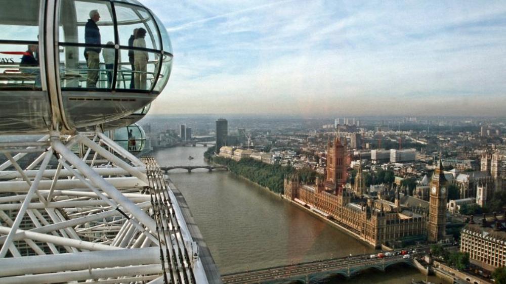 Blick aus dem Riesenrad London Eye auf die Themse