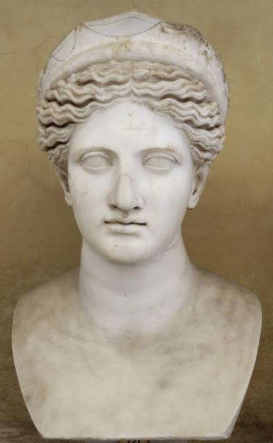 ΦΥΛΕΤΙΚΑ: Γυναικείες μορφές σε αρχαιοελληνικά γλυπτά - ποιους ...