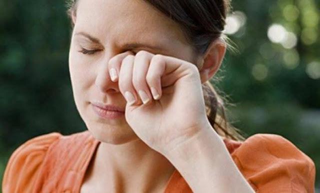 Inilah 11 Alasan Jangan Mengucek Mata Saat Gatal