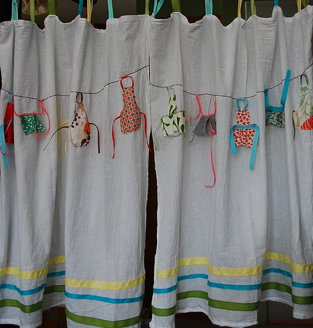 Sewing Kitchen Curtains: Be Different...Act Normal: Scrap Fabric Apron Curtains